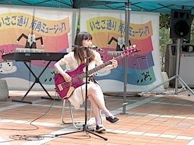 IMG_0001ステージ千夏x4.jpg